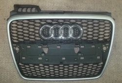 Grill AUDI RS4